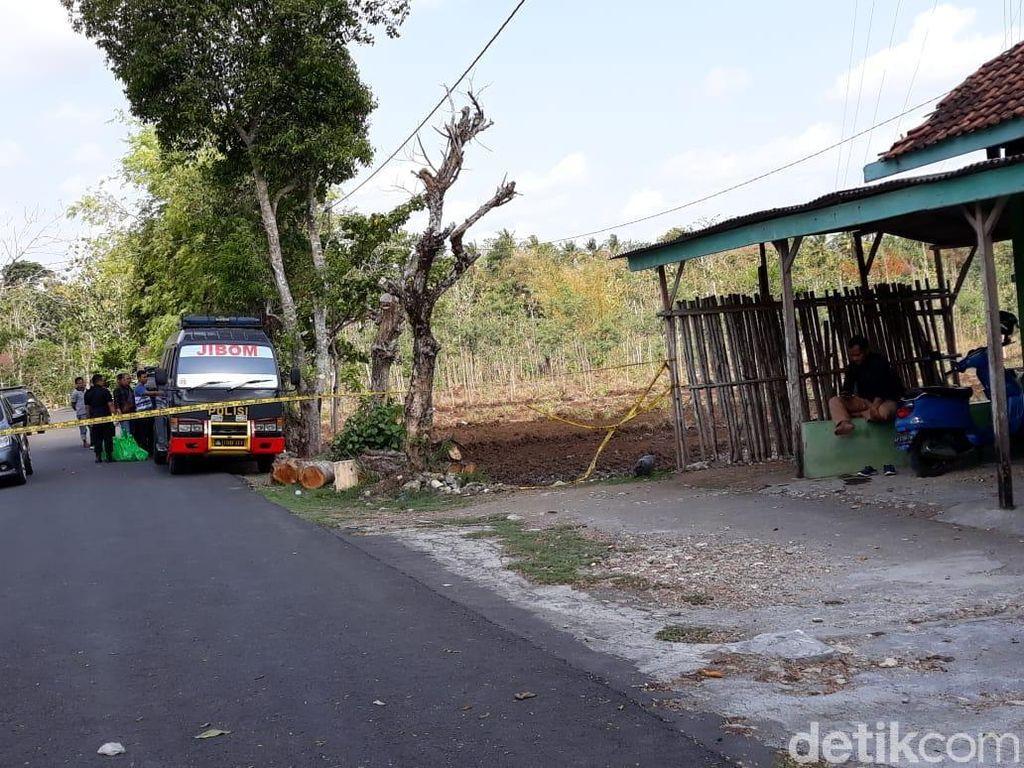 Densus 88 Gerebek Rumah di Gunungkidul, Mobil Penjinak Bom Merapat