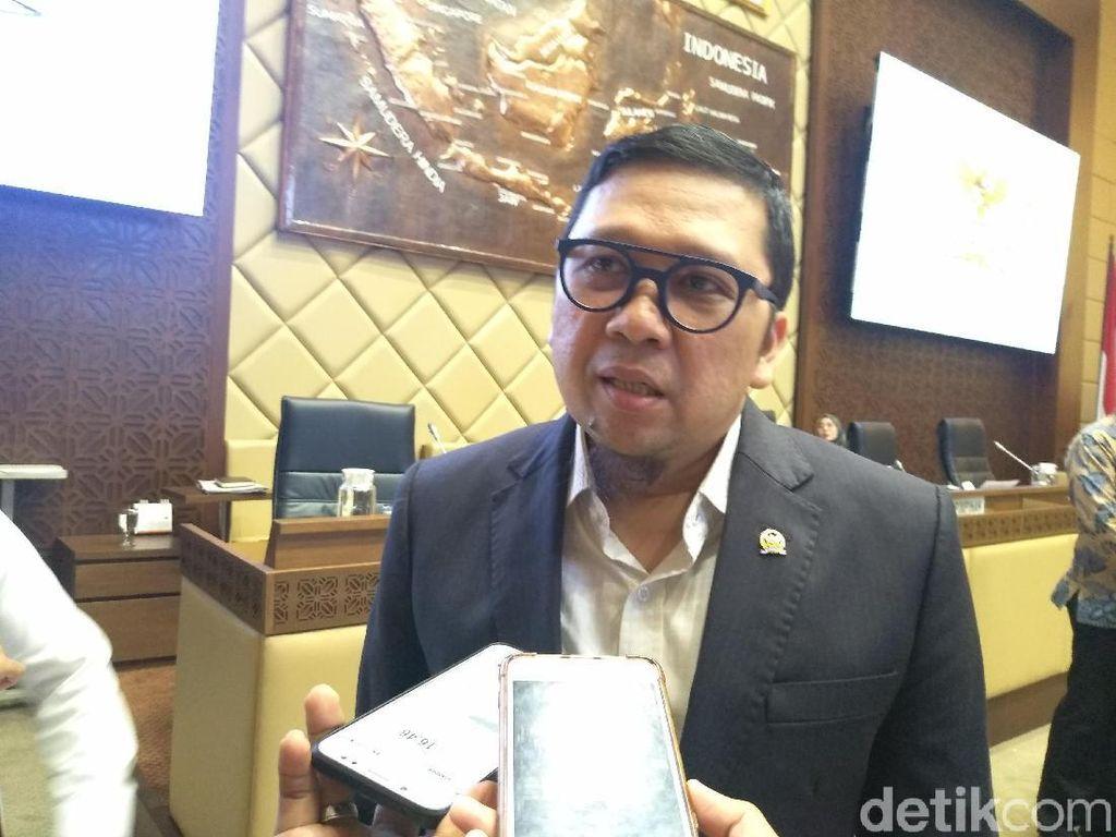 Bupati Lumajang-Boltim Adu Mulut, Komisi II DPR: Lebih Baik Kerja