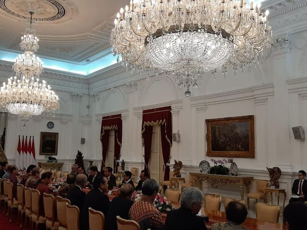 Jokowi Kumpul Bareng Puluhan Pengusaha Kakap Jepang di Istana