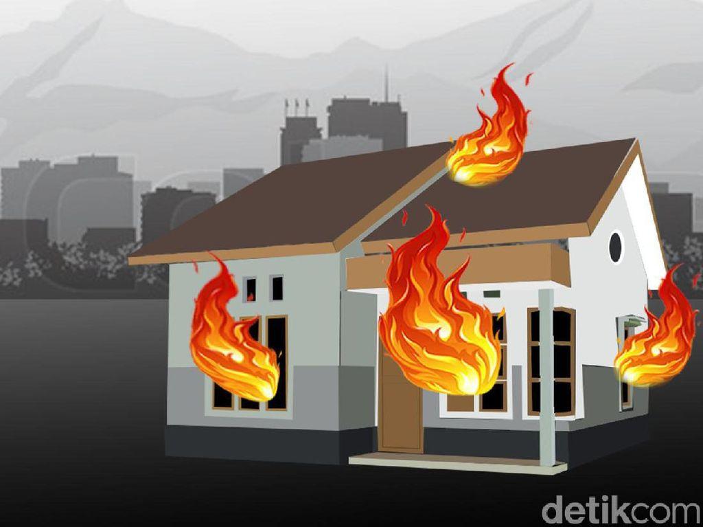 Rumah di Kebayoran Baru Terbakar, Satu Orang Dilarikan ke RS