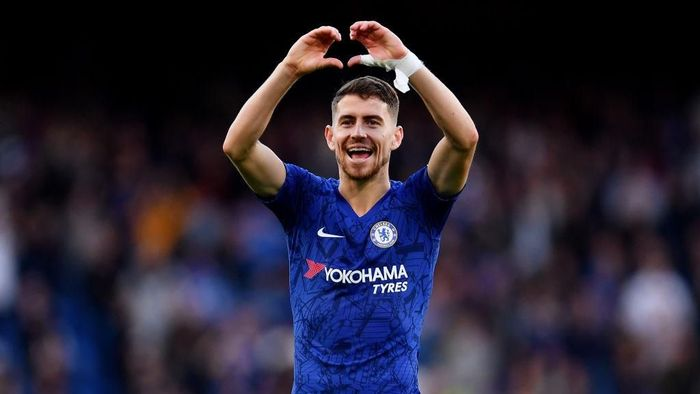 LONDON, ENGLAND - OCTOBER 19: Jorginho of Chelsea celebrates victory following the Premier League match between Chelsea FC and Newcastle United at Stamford Bridge on October 19, 2019 in London, United Kingdom. (Photo by Justin Setterfield/Getty Images)