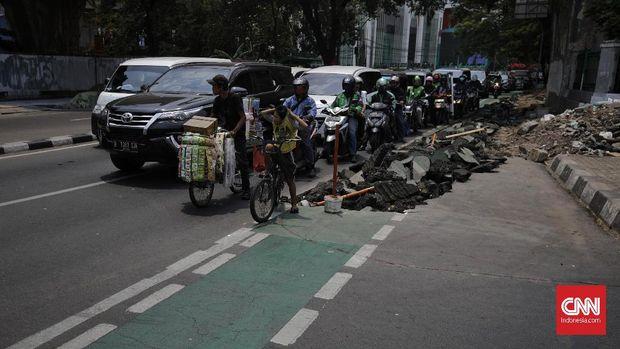 Polisi Akan Tilang Pengguna Skuter Listrik di Jalur Sepeda