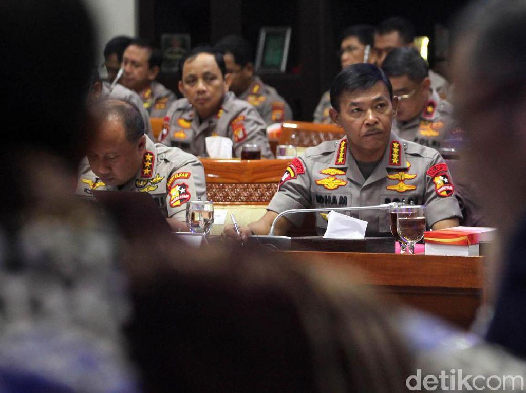 Kapolri Ditagih Kasus Novel hingga Program Antiperut Buncit