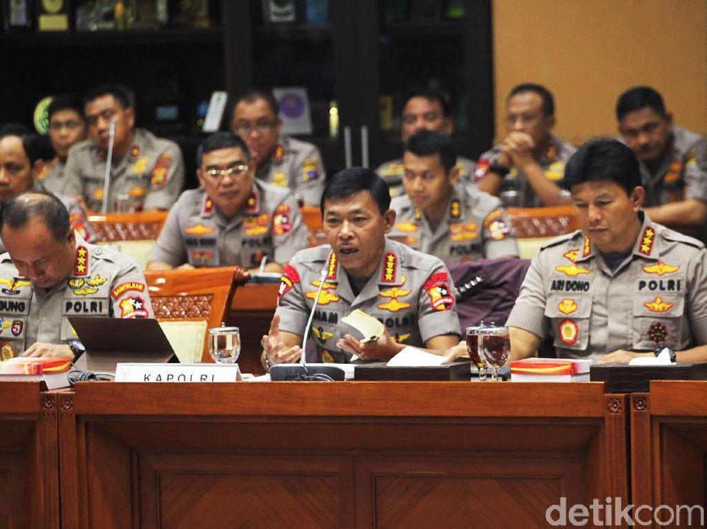 Anggota Komisi III Pertanyakan Alasan Kapolri Copot Kapolres Kampar