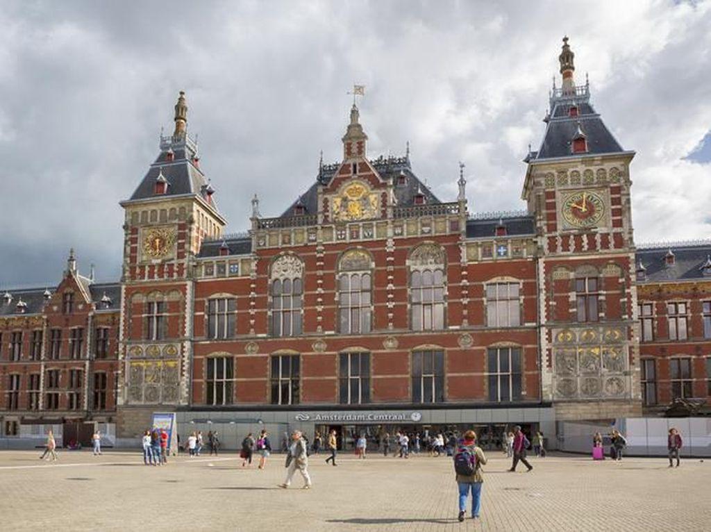 Geser London, Amsterdam Jadi Pusat Transaksi Saham Terbesar Eropa