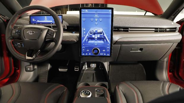 Fan Tolak Mobil Listrik Pakai Merek 'Muscle Car'