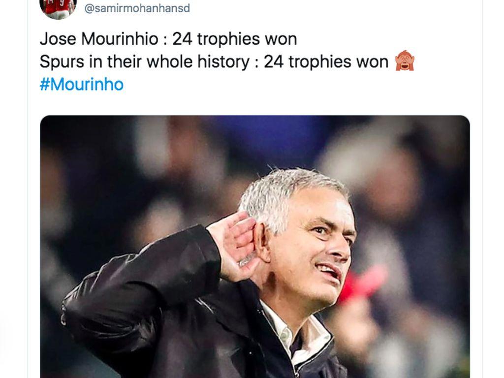 Mourinho Latih Tottenham Hebohkan Internet