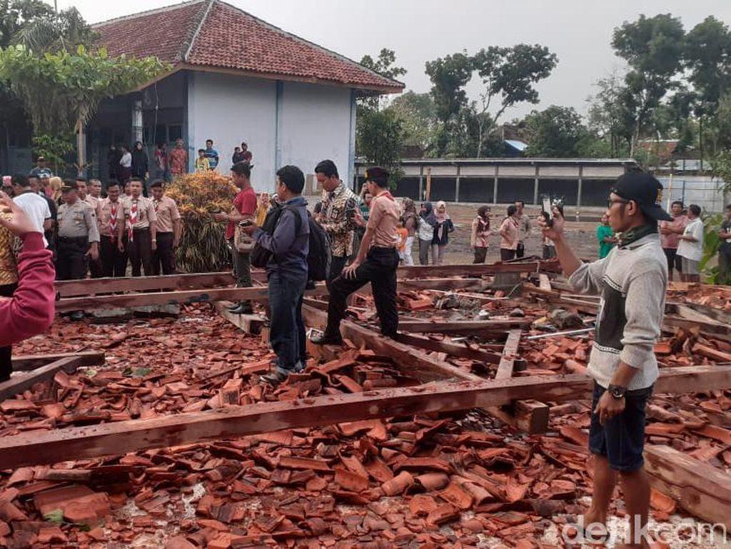 Pemprov Jateng Kucurkan Rp 289 M untuk Perbaiki 1.647 Ruang Kelas Rusak