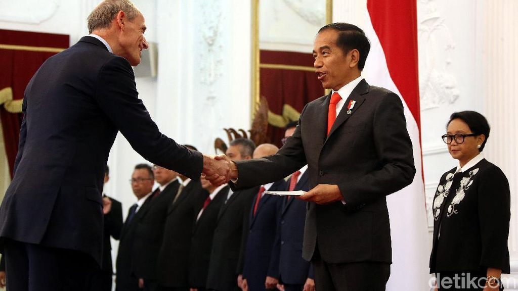 Momen Jokowi Terima Surat Kepercayaan Dubes Negara Sahabat