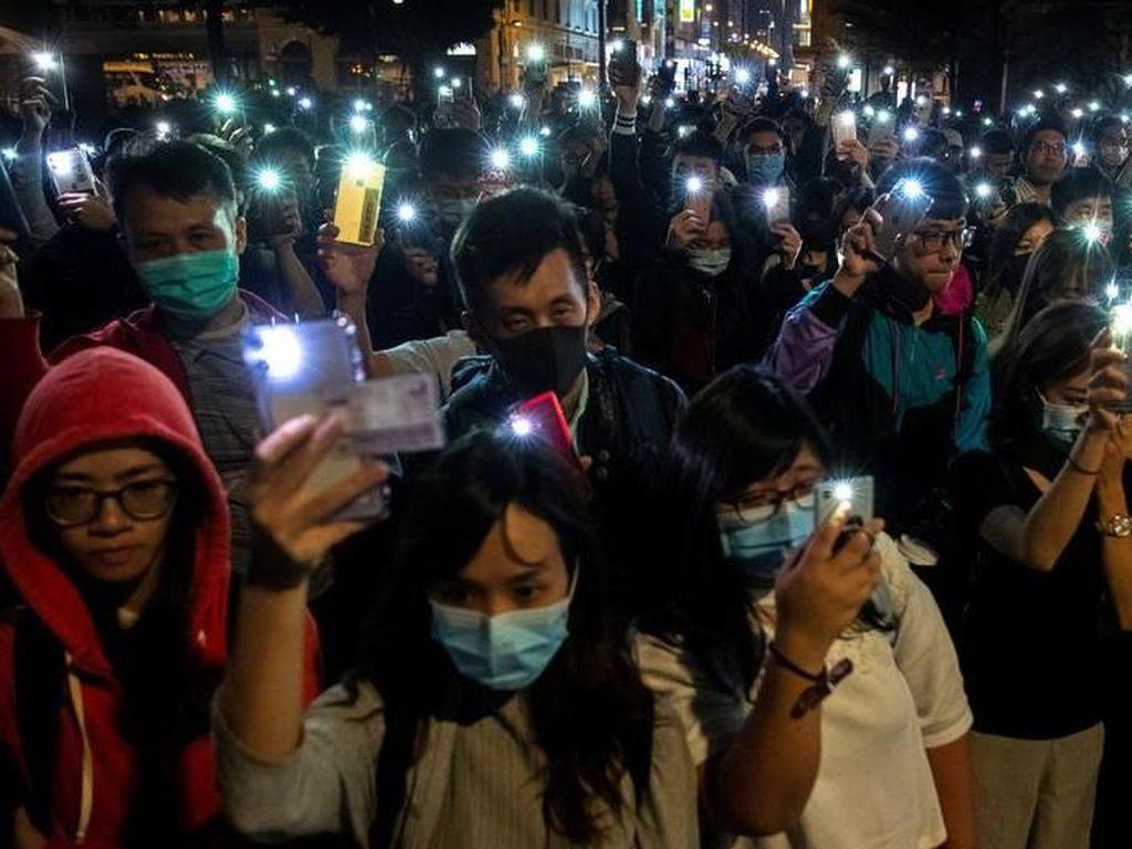 Dikepung Polisi, Puluhan Demonstran Hong Kong Masih Bertahan di Kampus