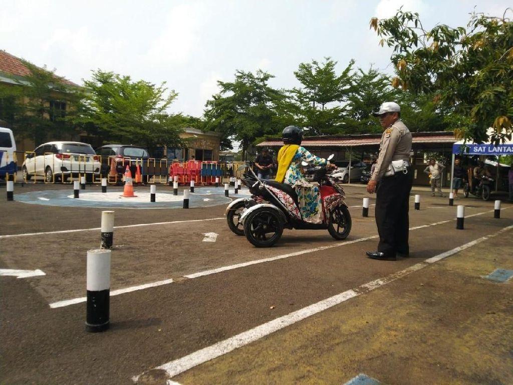11 Penyandang Disabilitas Uji SIM D di Satlantas Polres Tangerang