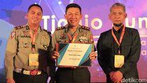 Menpan RB Beri Penghargaan Predikat B Pelayanan Publik Polresta Blitar
