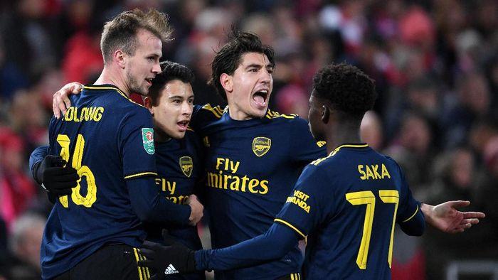 Arsenal tidak dalam titik krisis. (Foto: Laurence Griffiths / Getty Images)