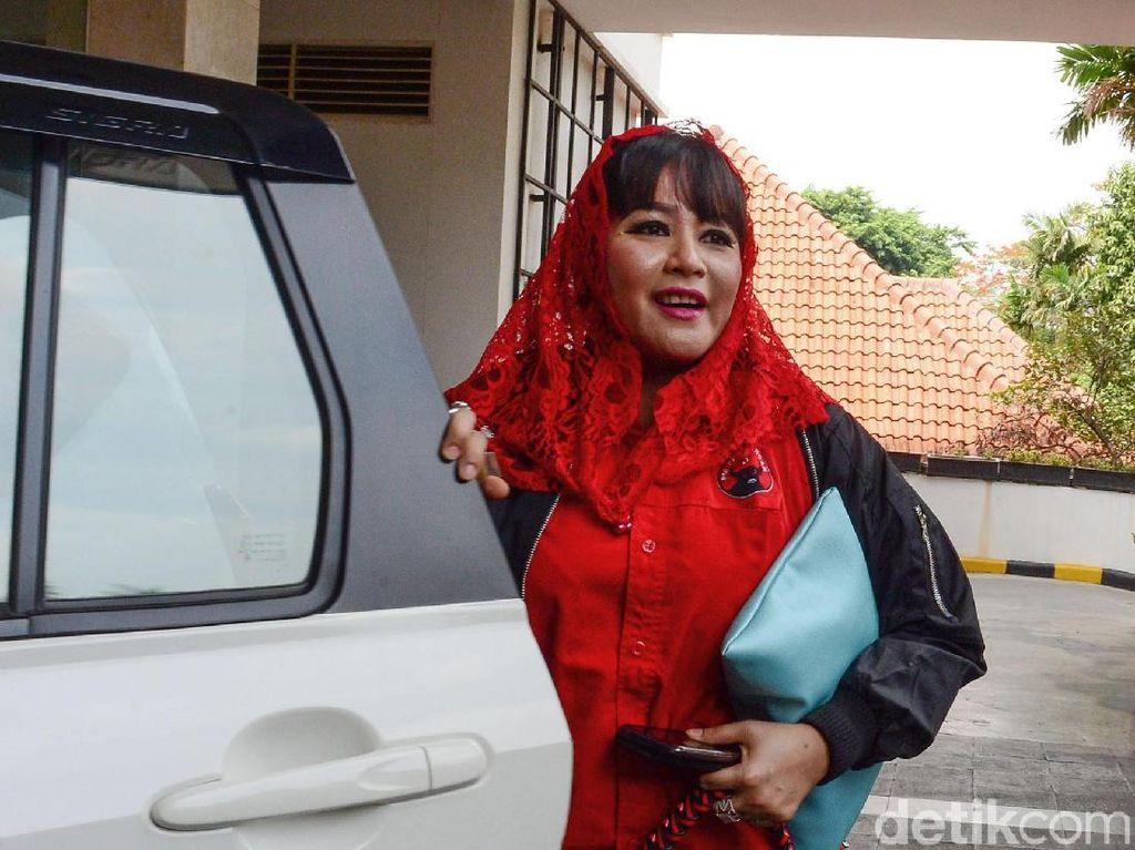 Dewi Tanjung: Kalau Pelakunya Ada, Saya Minta Polisi Hentikan Laporan