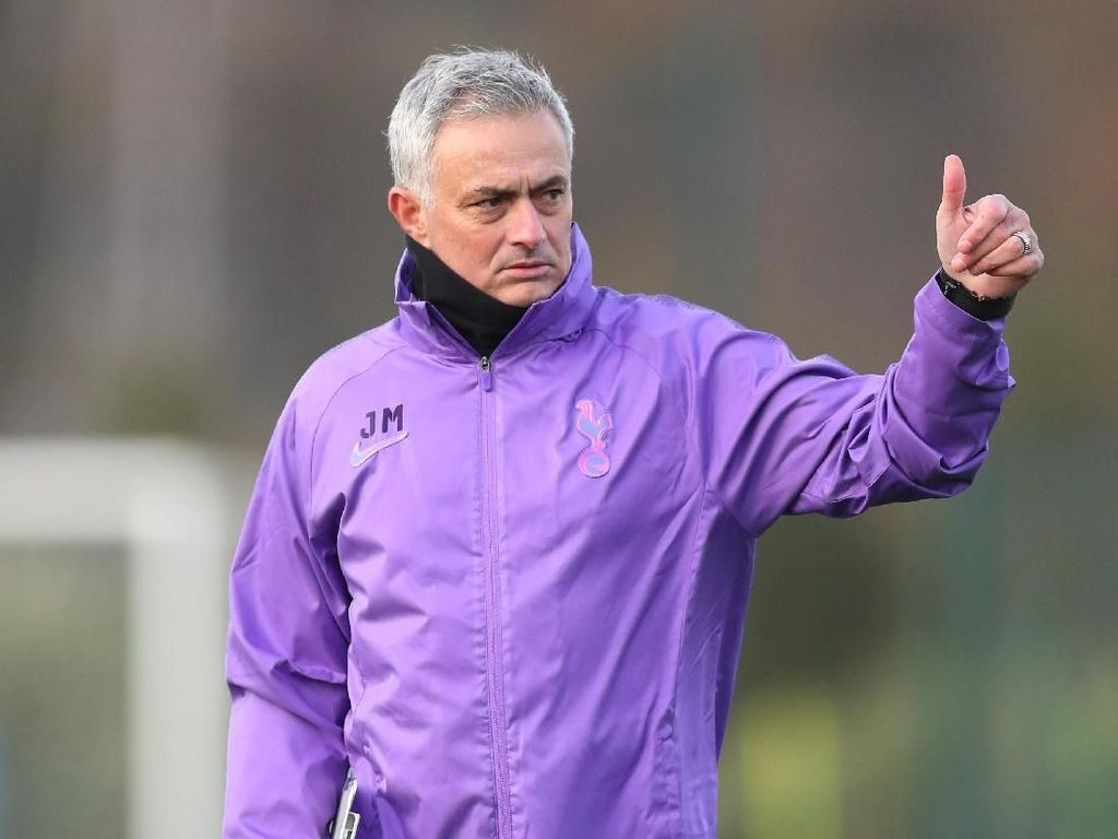 Mourinho Datang, Tottenham Tetaplah Tottenham