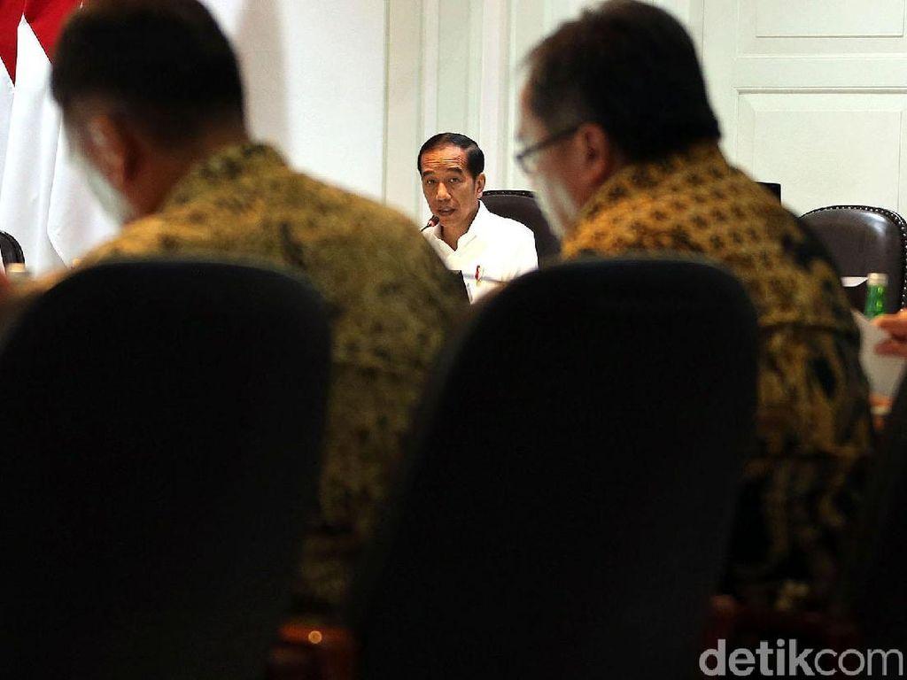 Jokowi Ratas Bareng Menteri Bahas Soal Kemudahan Berbisnis