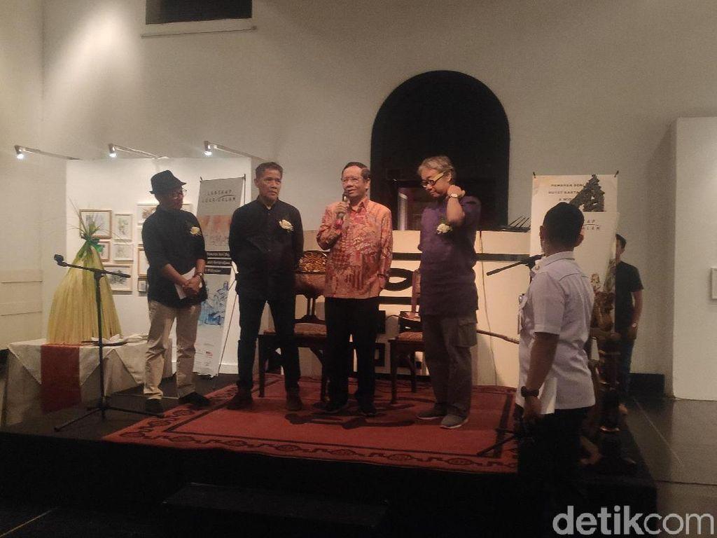 Buka Pameran Lukisan Butet-Widiyatno, Mahfud Singgung Bangsa yang Selalu Stres