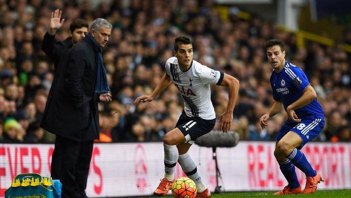 Jose Mourinho menyeberang kubu, dari Chelsea di Tottenham Hotspur. (Foto: Mike Hewitt/Getty Images)