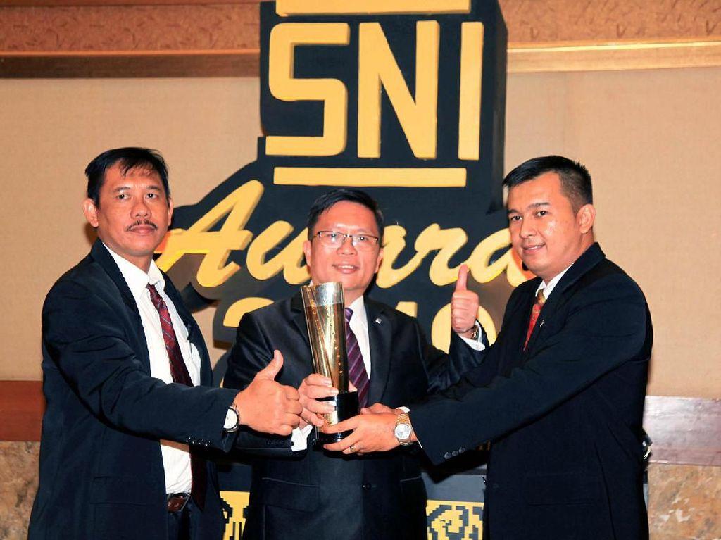 Dua Menteri Hadiri SNI Award