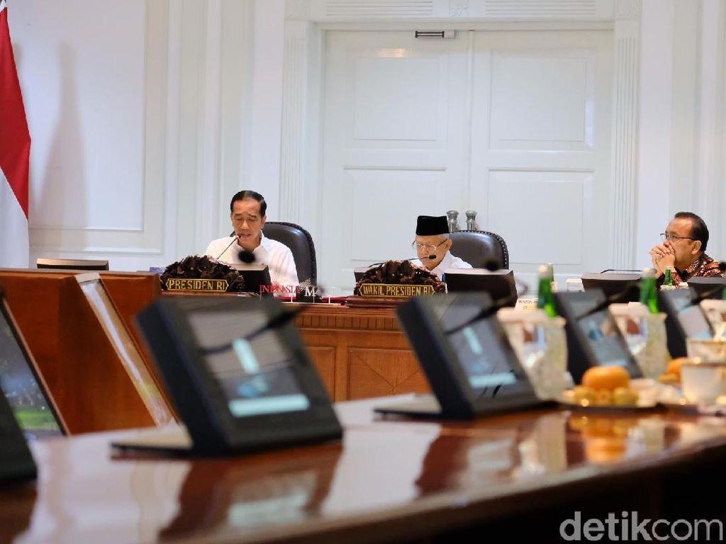 Jokowi Minta Sri Mulyani Kebut Aturan Pajak buat e-Commerce