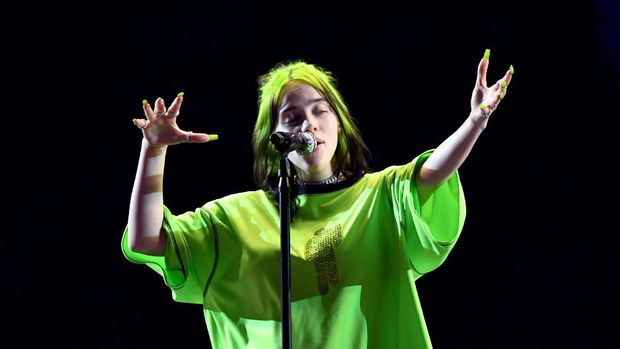 LOS ANGELES, CALIFORNIA - OCTOBER 19: Billie Eilish performs onstage during the 7th Annual We Can Survive, presented by AT&T, a RADIO.COM event, at The Hollywood Bowl on October 19, 2019 in Los Angeles, California.   Kevin Winter/Getty Images for RADIO.COM /AFP