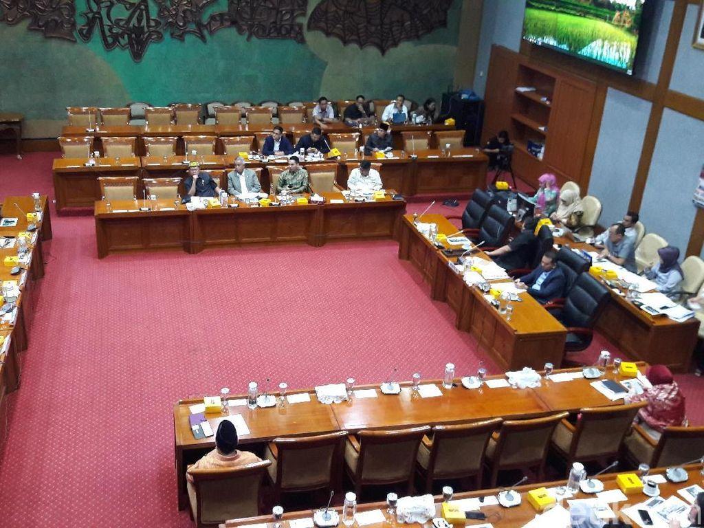 Komisi X Rapat Dengar Pendapat dengan HMI-GMKI, Bahas Tantangan Zaman
