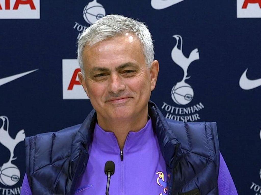 Mourinho Dikritik Usai Bajak Dua Staf Pelatih Lille