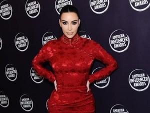 Ratapan Kim Kardashian, Gaun Tak Muat sebab Berat Badan Naik 8 Kg