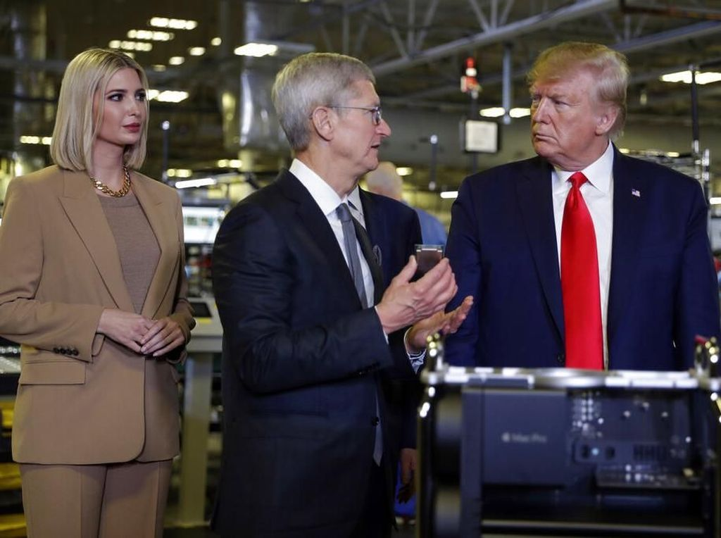 Gencarkan Made In America, Donald Trump Sambangi Pabrik Apple