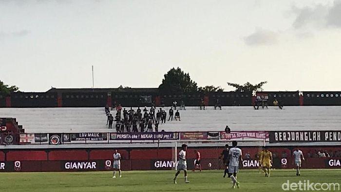 Sriwijaya FC vs Persita Tangerang sepi penonton. (Foto: Aditya Mardiastuti/detikcom)