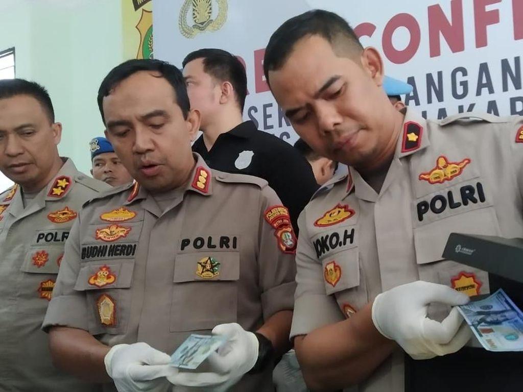 Polisi Tangkap Komplotan Pengedar Dolar Palsu di Jakarta Utara