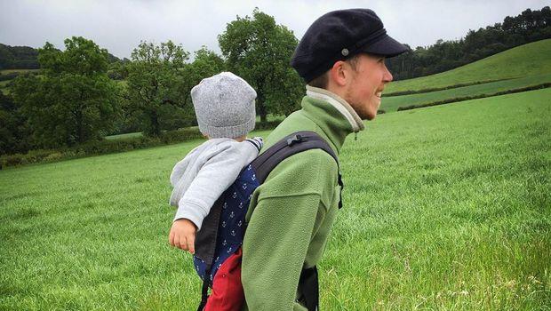 Freddy McConnell dan putranya