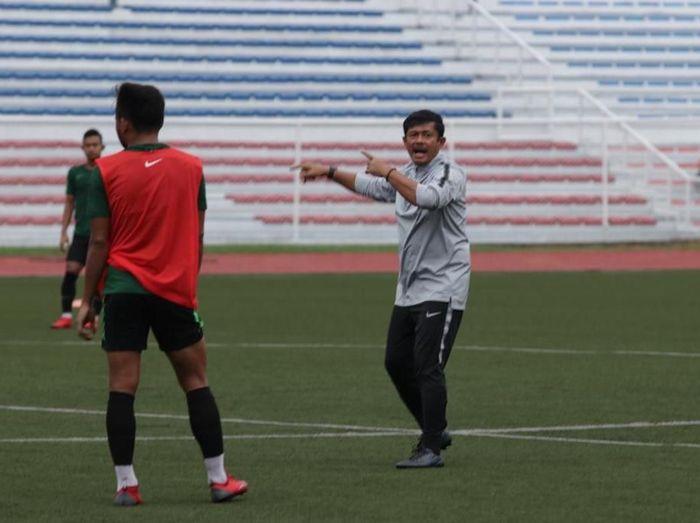 Pelatih Timnas Indonesia U-22, Indra Sjafri, menilai konsisi lapangan Rizal Memorial Stadium cukup sip.(Foto: Dok.PSSI)