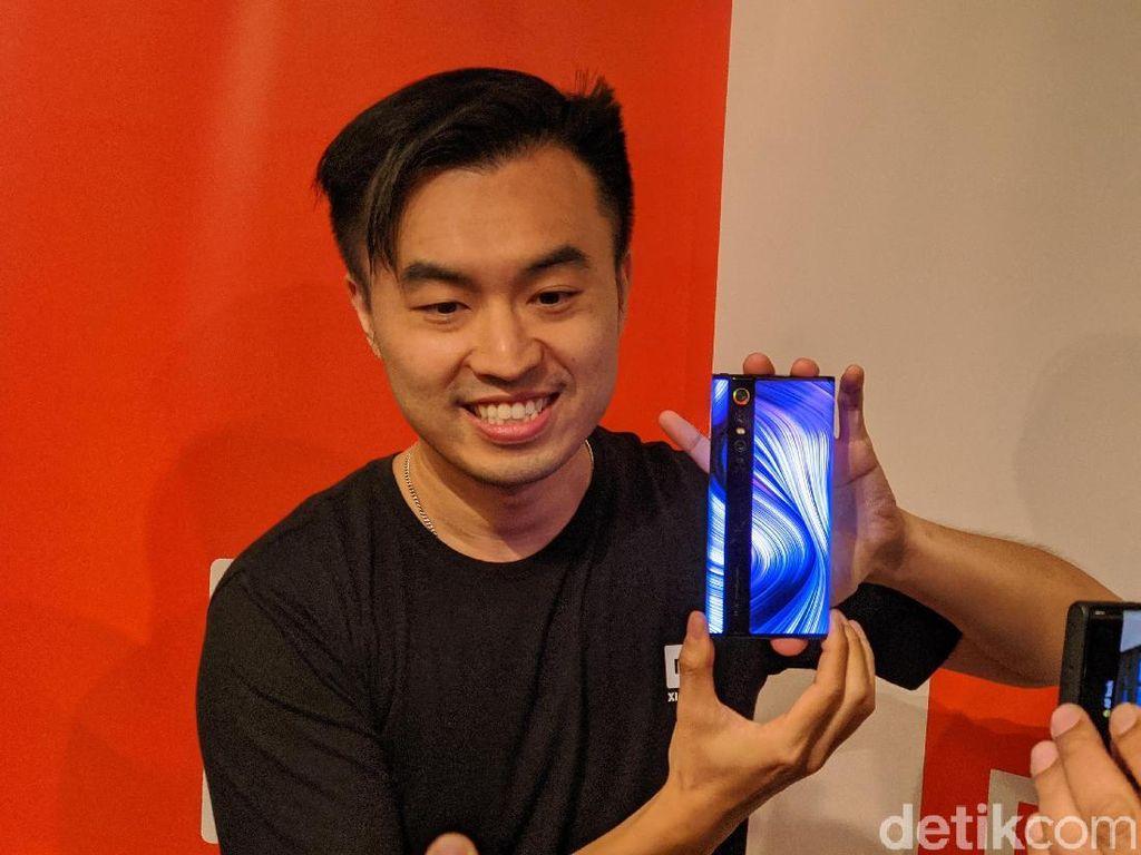 Penampakan Ponsel Xiaomi Berdesain Paling Gila di Jakarta