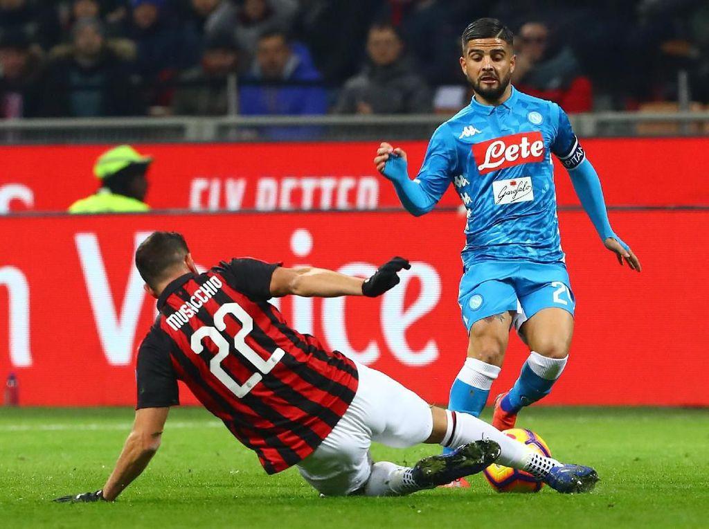 Dominan Atas Milan, Kesempatan Napoli Bangkit