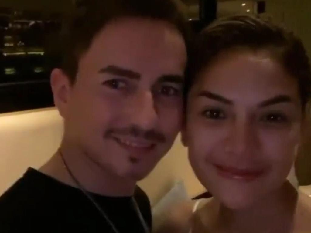 Sambut Jorge Lorenzo, Nikita Mirzani: Selamat Datang di Bali, Amor