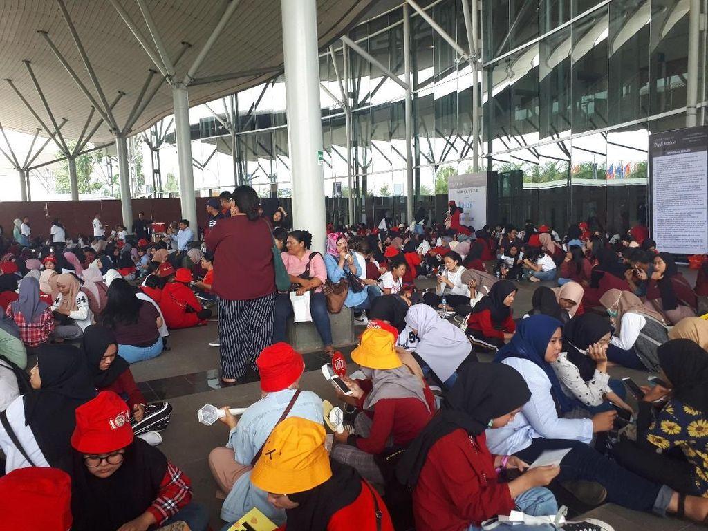 Jelang Konser EXO di Jakarta, Venue Didominasi Warna Merah dan Putih