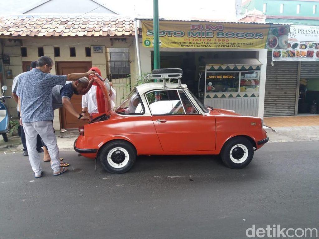 Ada Mobil Imut di Jalanan Jakarta, Mobil Apa Ya?
