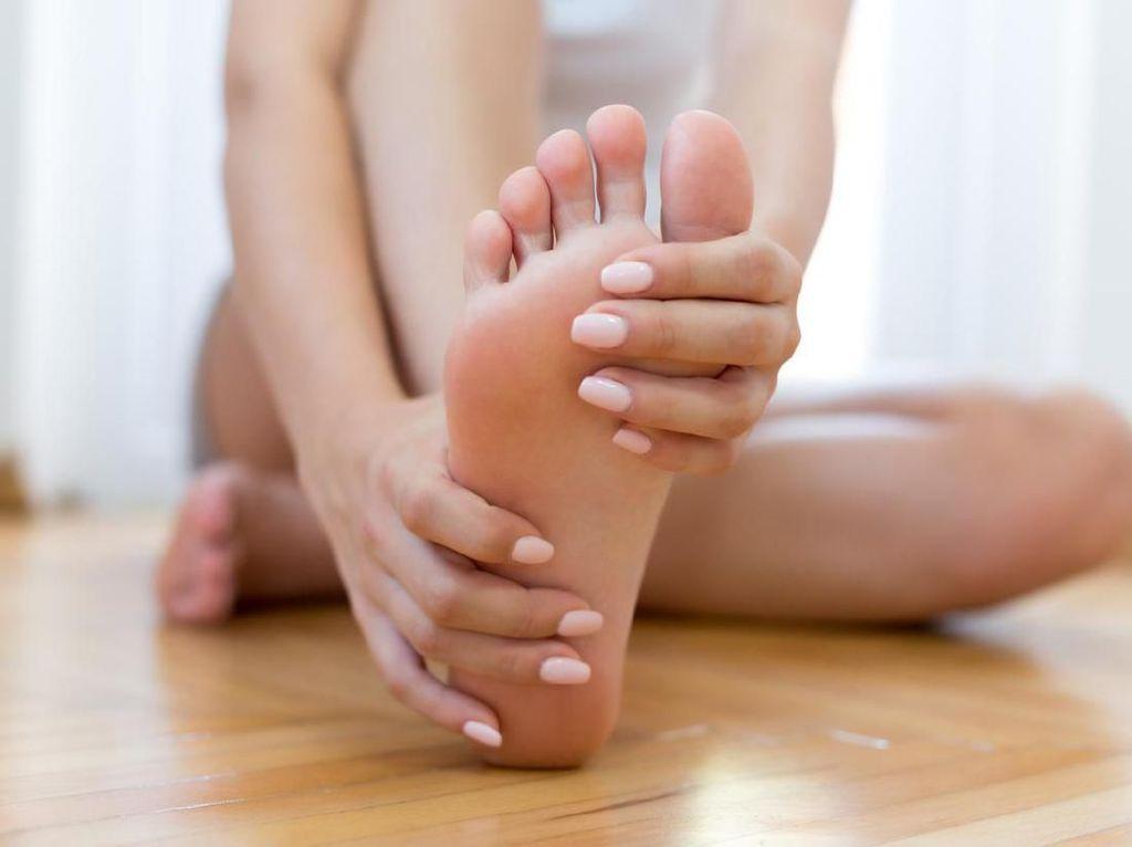 12 Cara Menghilangkan Bau Kaki, Ampuh dan Mudah Dilakukan