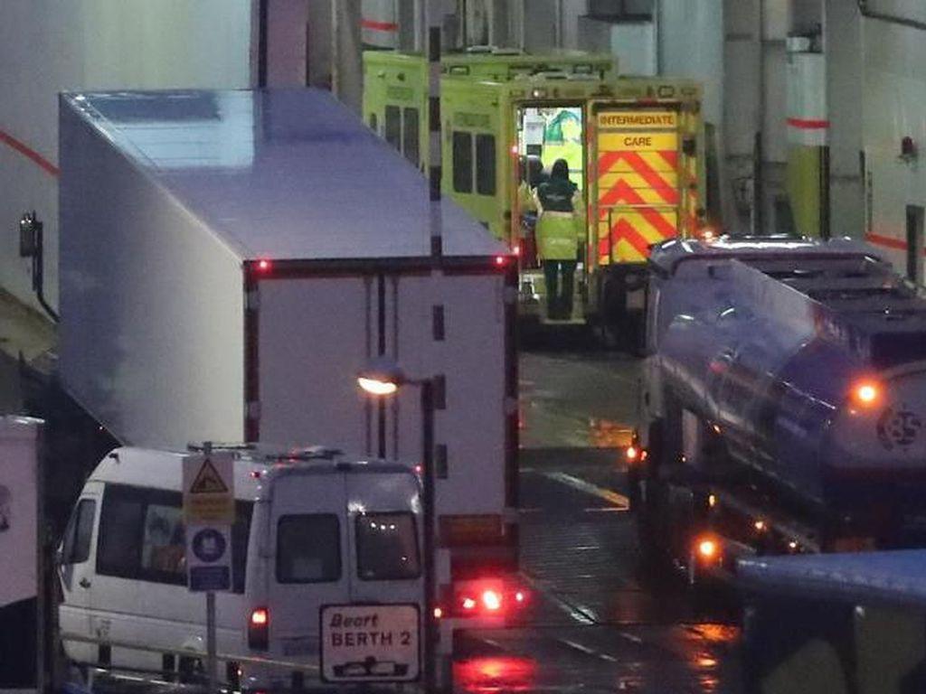 Video 16 Migran Timur Tengah Ditemukan dalam Kontainer Menuju Irlandia