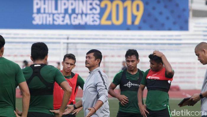 Pelatih TImnas Indonesia U-22 Indra Sjafri (tengah). (Foto: dok. Humas PSSI)
