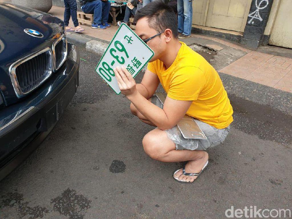 BMW Pakai Pelat Nomor Asing, Mahasiswa Bandung Ditilang Polisi