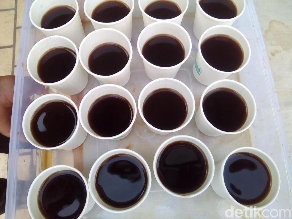 Promosikan Kopi Robusta Muria, 1.500 Gelas Kopi Dibagikan Gratis
