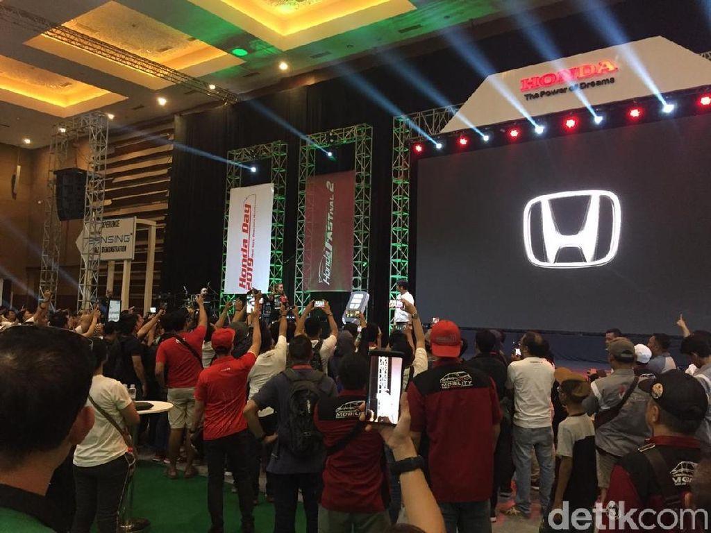 3.000 Mobil Honda Berpesta di Kemayoran