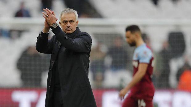 Jose Mourinho harus memutar otak menyusun formasi tanpa Son Heung Min.