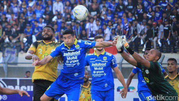 Esteban Vizcarra absen membela Persib Bandung di Asia Challenge Cup 2020. (Foto: Wisma Putra/Detiksport)