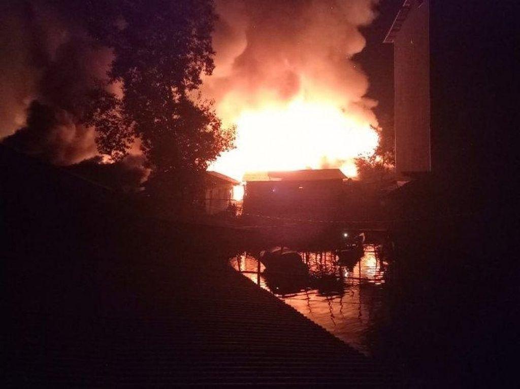 Satu Desa Terbakar di Pulau Sebuku Kalsel, Ratusan Rumah Hangus