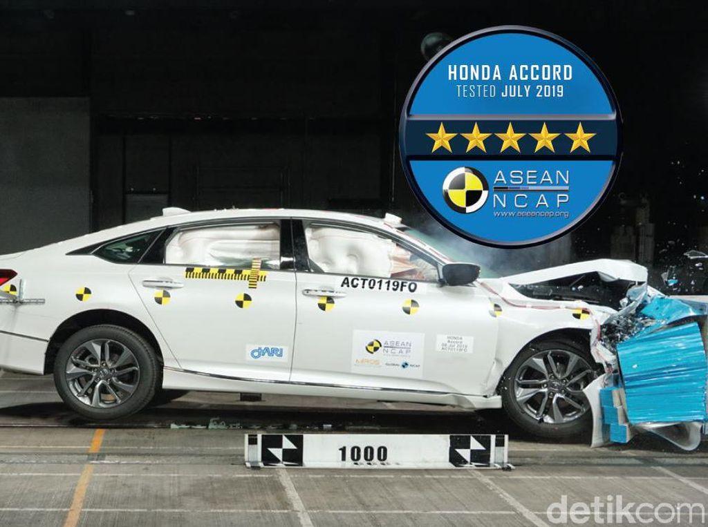 Honda Accord Dapat 5 Bintang dalam Tes Tabrak