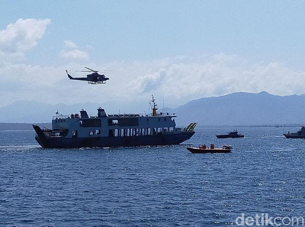 Latihan SAR di Selat Bali Gunakan Helikopter dan Pesawat Cassa