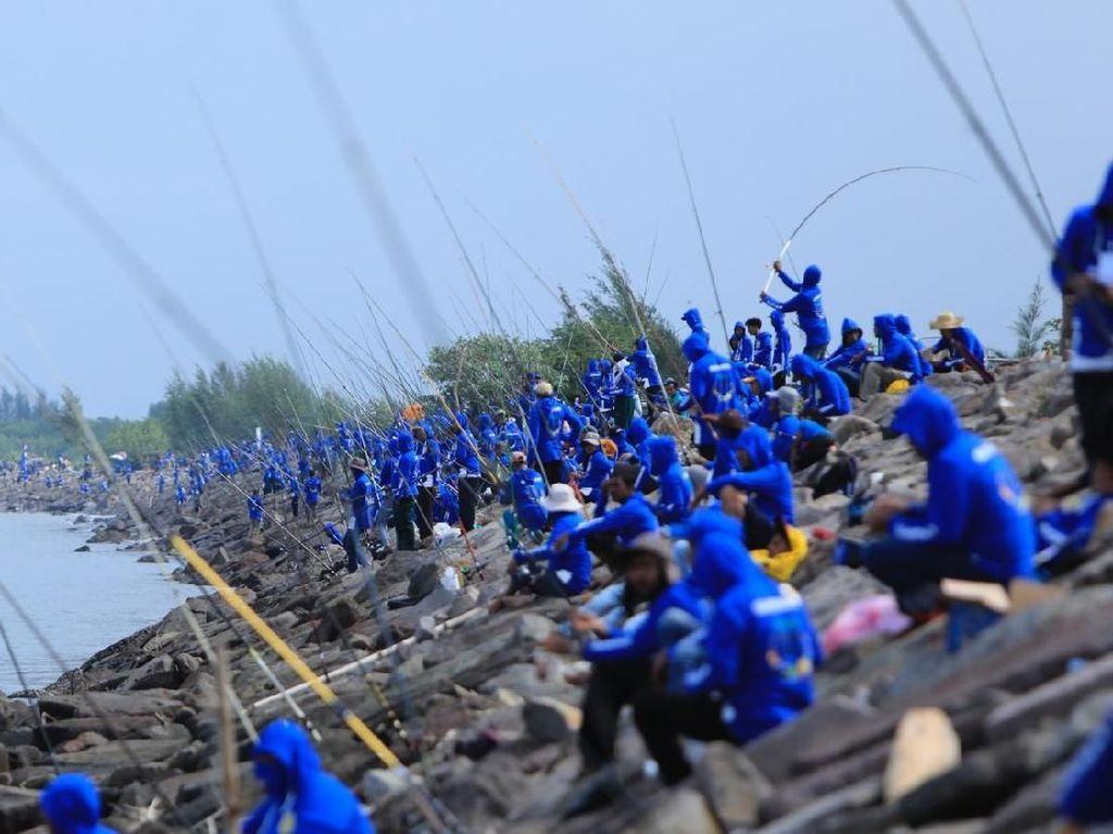 Saat Ribuan Warga Banda Aceh Ikut Lomba Mancing, Seru!